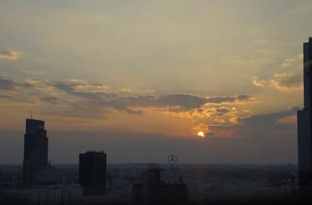 zachód słońca nad Warszawą